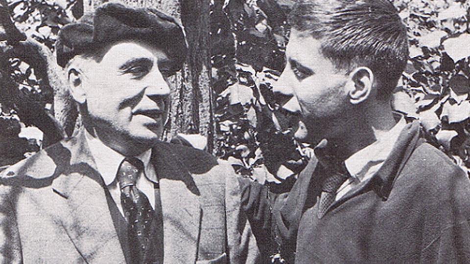 Junto a su maestro Vázquez Díaz